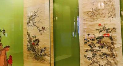 Shenyang Palace Museum exhibits calligraphy scripts, paintings