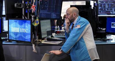U.S. stocks plunge amid risk-averse sentiment