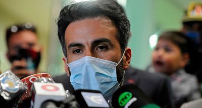 Maradona's doctor denies responsibility for legend's death