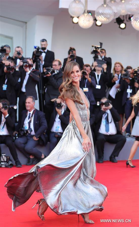 Model Izabel Goulart poses on the red carpet of the 75th Venice International Film Festival in Venice, Italy, Aug. 29, 2018. The 75th Venice International Film Festival kicked off here on Wednesday. (Xinhua/Cheng Tingting)