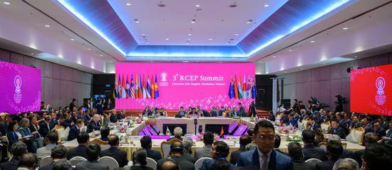 Participants attend the 3rd Regional Comprehensive Economic Partnership (RCEP) Summit in Bangkok, Thailand, Nov. 4, 2019. (Xinhua/Zhu Wei)
