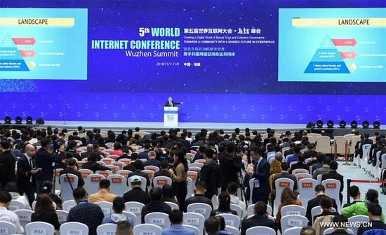 Eugene Kaspersky, co-founder of the Kaspersky Lab, delivers a keynote speech at the plenary session of the fifth World Internet Conference in Wuzhen, east China's Zhejiang Province, Nov. 7, 2018. (Xinhua/Chen Yehua)