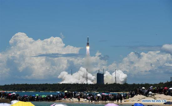 A Mars probe is launched on a Long March-5 rocket from the Wenchang Spacecraft Launch Site in south China's Hainan Province, July 23, 2020. (Xinhua/Yang Guanyu)