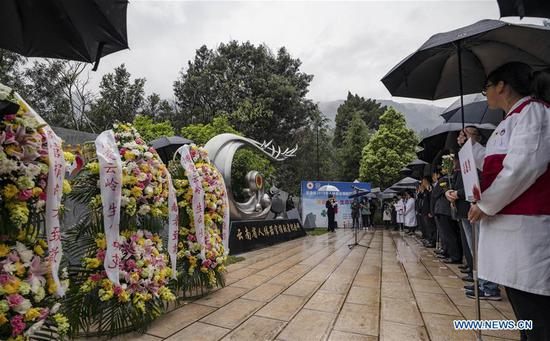 People attend a commemorative event held in honour of human organ donors at a human organ donor memorial park in Kunming, southwest China's Yunnan Province, April 3, 2019. The human organ donation work was officially launched in Yunnan Province in July 2013. By the end of March 2019, 333 organ donation cases have been recorded and the number of registered organ donation volunteers has reached 6,398. (Xinhua/Jiang Wenyao)