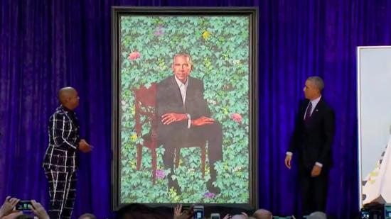 Obamas' official portraits revealed