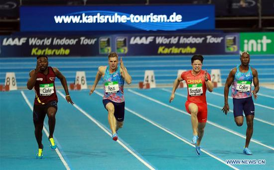 Su Bingtian (2nd R) of China competes during the Men's 60m final of the 2018 IAAF World Indoor Tour in Karlsruhe, Germany, on Feb. 3, 2018. Su Bingtian claimed the title with 6.47 seconds.(Xinhua/Luo Huanhuan)