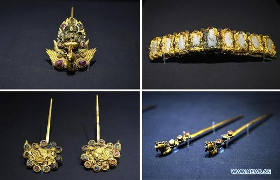 The combo photo taken on Jan. 7, 2018 shows the elaborate jewelry displayed during an exhibition on jewelry of princesses of the Ming Dynasty in Jiangxi Provincial Museum, east China's Jiangxi Province. Recently, 128 pieces or sets of ancient jewelry discovered in tombs of princes in the Ming Dynasty have been displayed in an exhibition kicked off on Dec. 30, 2017. Once owned by princesses of the Ming Dynasty, the jewelry on display is the embodiment of historic culture and aesthetic taste of that time. (Xinhua/Wan Xiang)