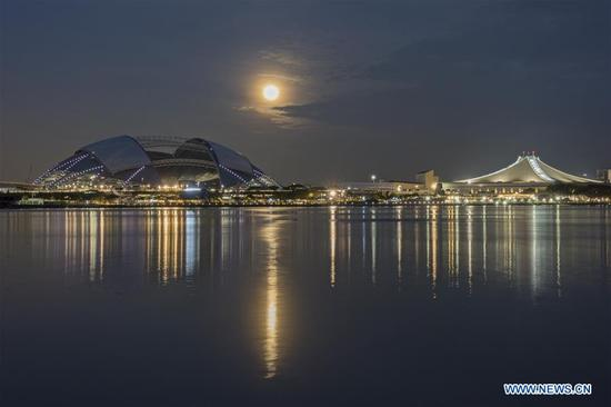 A supermoon is seen in Singapore, Dec. 3, 2017. (Xinhua/Then Chih Wey)