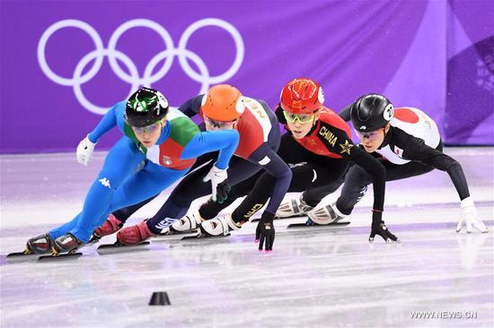 China's Fan Kexin (2nd R) competes during the women's 3000m relay heat of short track speed skating event of 2018 PyeongChang Winter Olympic Games at Gangneung Ice Arena, South Korea, Feb. 10, 2018. China advanced to the final in a time of 4:05.315 and set a new Olympic record of the event. (Xinhua/Ju Huanzong)