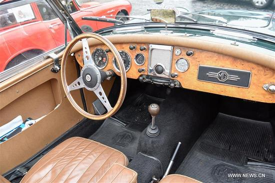 Photo taken on Jan. 7, 2018 shows the interior of a vintage car in Paris, France. Hundreds of vintage cars, racing cars, jeeps, buses, motorcycles and bikes participated on Sunday in the 18th Paris Crossing of Classic Cars. (Xinhua/Chen Yichen)