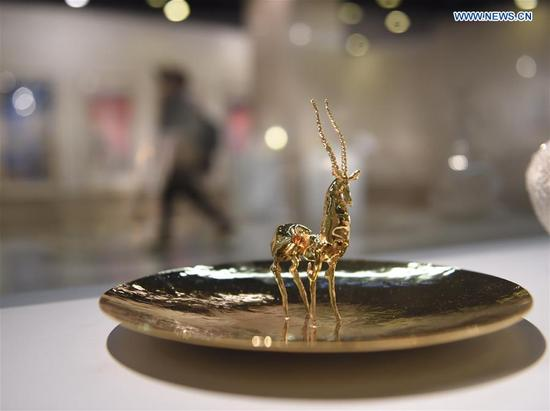 An artwork is displayed at the exhibition of New Vision of Chinese Art 2018 in Beijing, capital of China, March 12, 2018. The exhibition, displaying artworks supported by China National Arts Fund, kicked off here on Monday. (Xinhua/Luo Xiaoguang)
