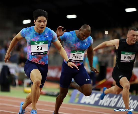 Su Bingtian (1st L) of China competes during the Men's 60m final of the 2018 IAAF World Indoor Tour in Dusseldorf, Germany, on Feb. 6, 2018. Su Bingtian won the gold with 6.43 seconds. (Xinhua/Luo Huanhuan)