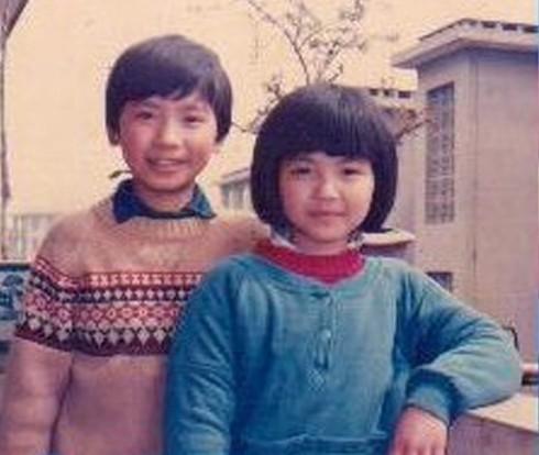 刘涛和哥哥合照