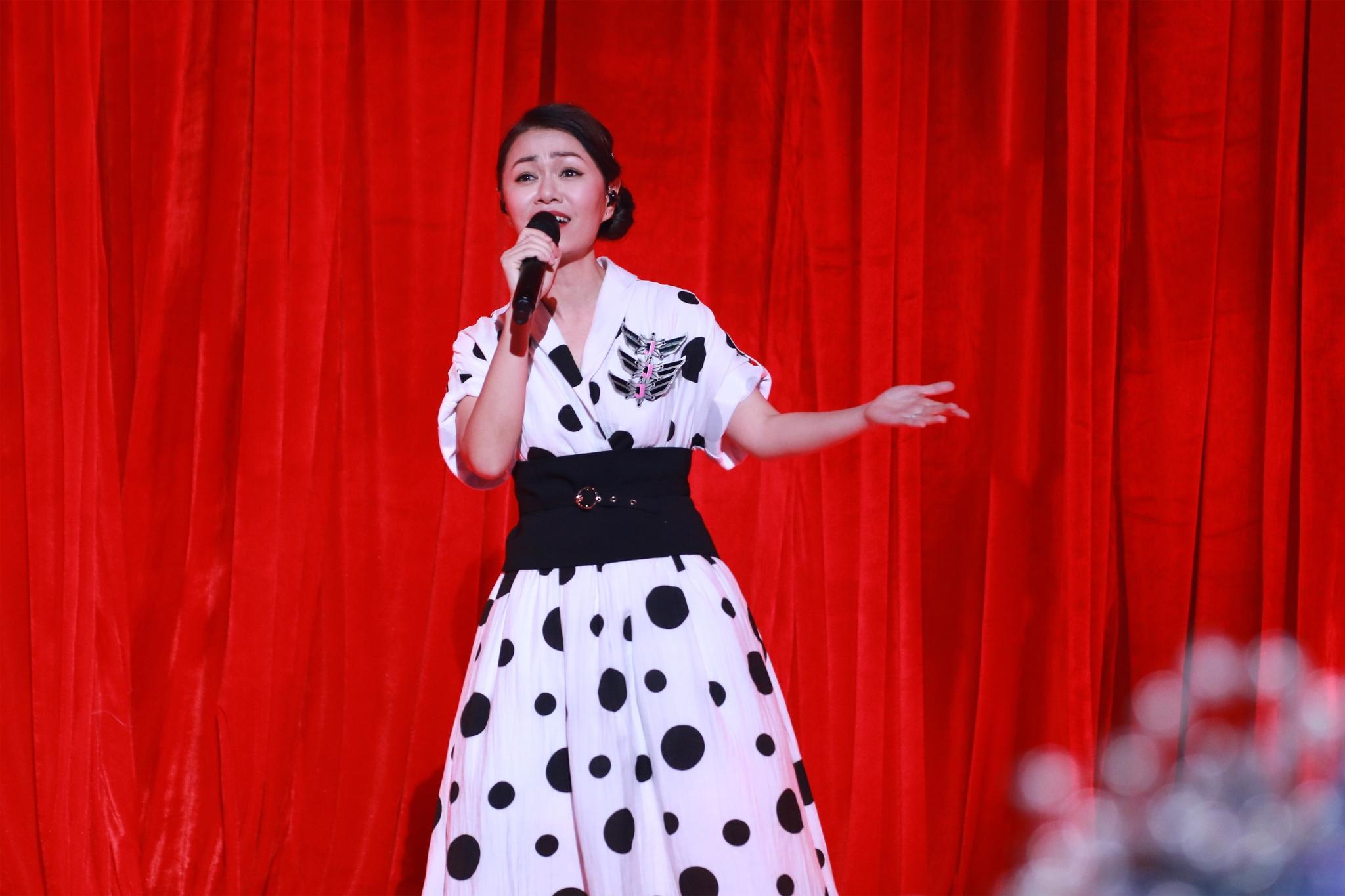 《中国新歌声》五强出炉!谁将是冠军导师?