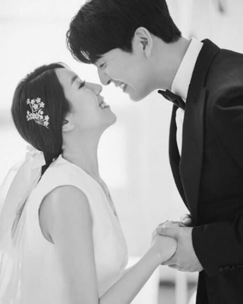 韩星李必模宣布妻子怀孕 曾参加恋爱节目后闪婚