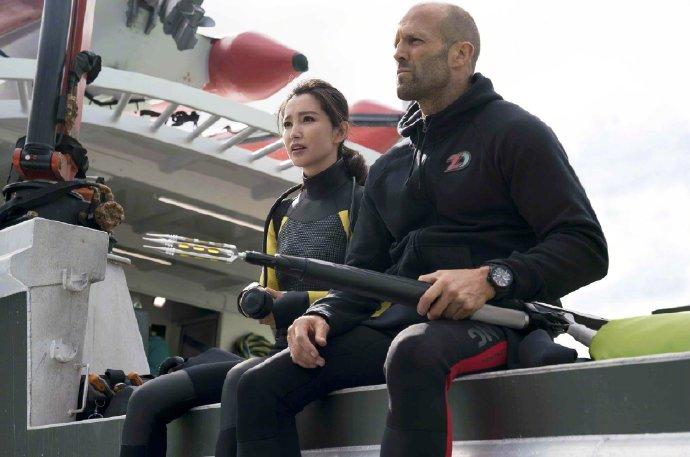 《巨齿鲨》续集明年开拍 杰森·斯坦森确认回归