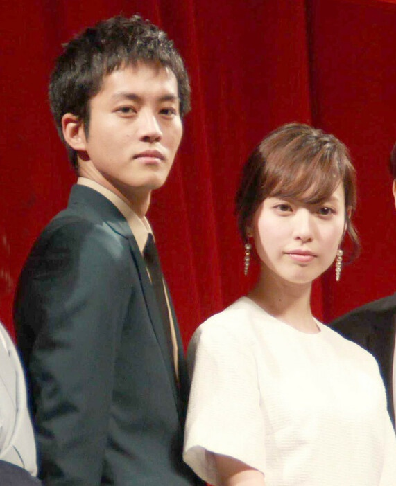 松坂桃李户田惠梨香宣布结婚 2015年曾合作电影