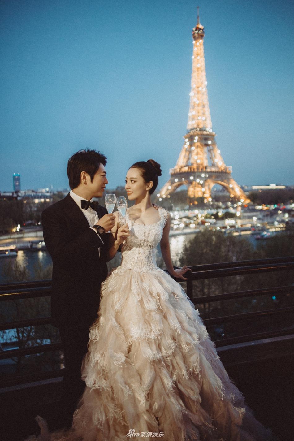 郎朗与24岁混血妻子婚纱照曝光 巴黎铁塔下甜蜜依偎