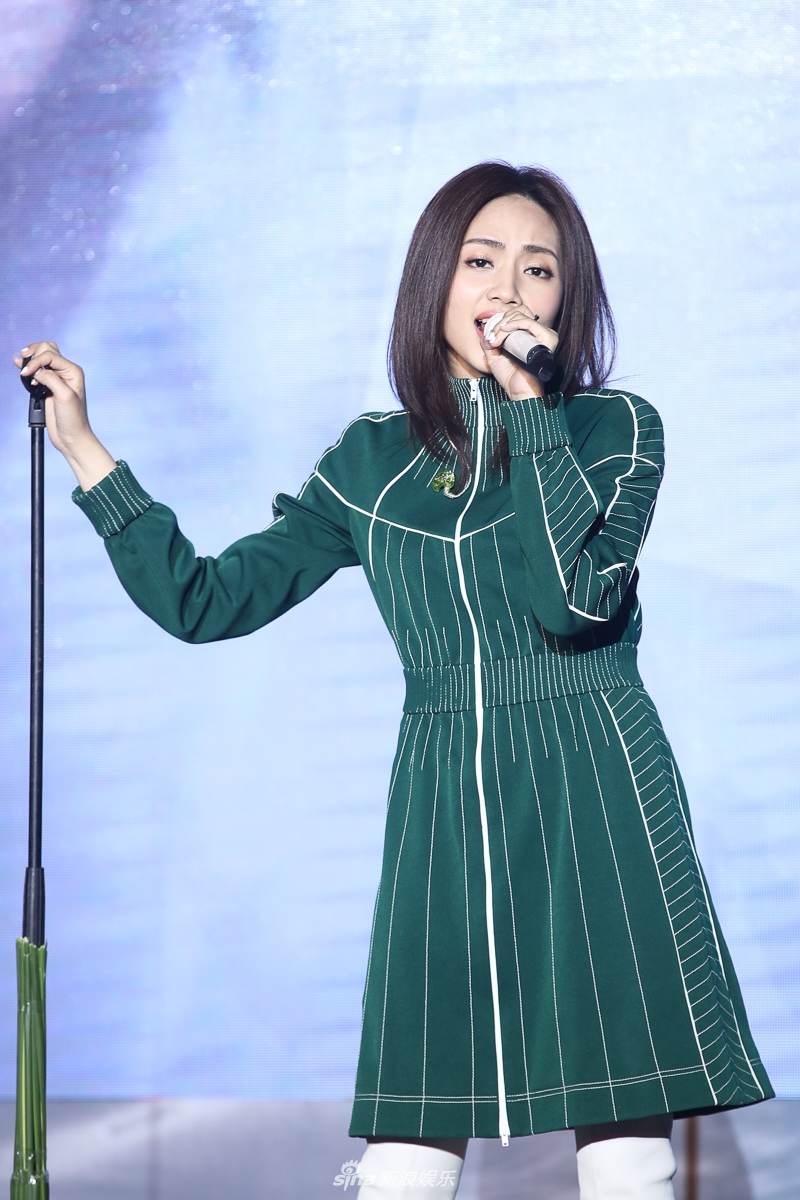 <br/>  1月17日消息,刘惜君发新专辑《如我》并在发布会现场首唱新歌,专辑由郭顶郑楠制作,许嵩陈洁仪等人VCR献上了祝福。<br/>