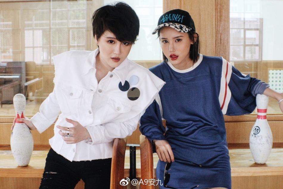 赵本山女儿妞妞与闺蜜安九傻傻分不清 风格偶像 图4