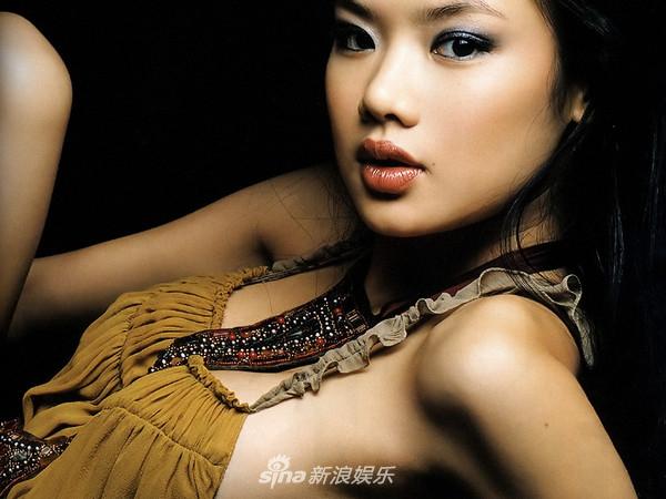 高清套图:羡慕前天王嫂的第二春?先要有她的火辣身材