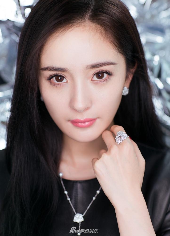 杨幂成品牌全球首位代言人 时尚影响力受国际认可