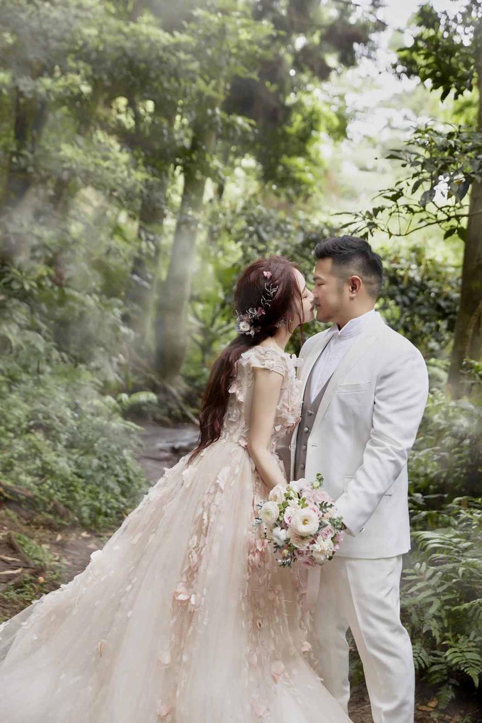 婚纱照和_任嘉伦和聂欢的婚纱照