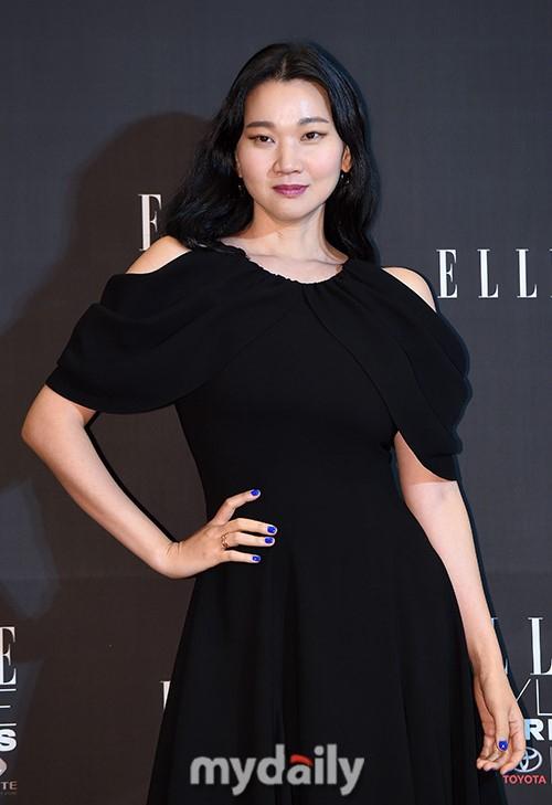 组图:2018中韩国际电影节红毯 李政宰金喜爱等亮相