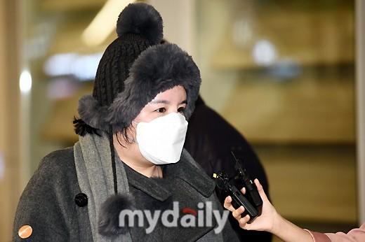 与毒品相关的女演员埃米被驱逐到韩国 拿着名牌包胖得认不出来