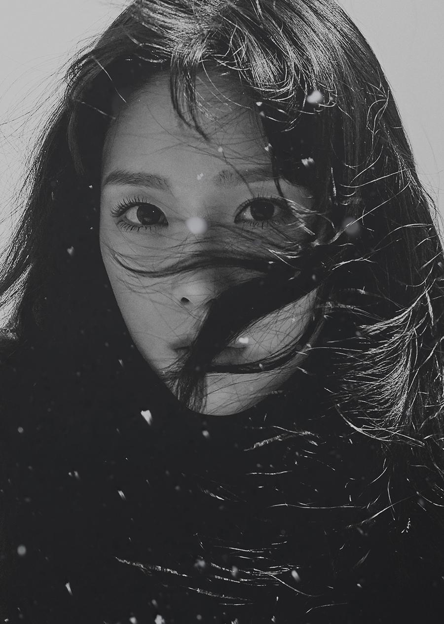 少女时代泰妍发冬日专辑 黑白风飘雪唯美