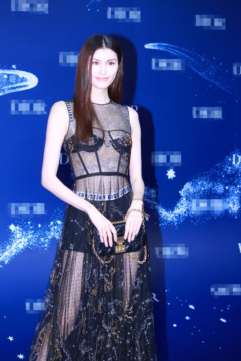 赵丽颖Baby何穗同台比美 露性感酥胸秀修长美腿 风格偶像 图5