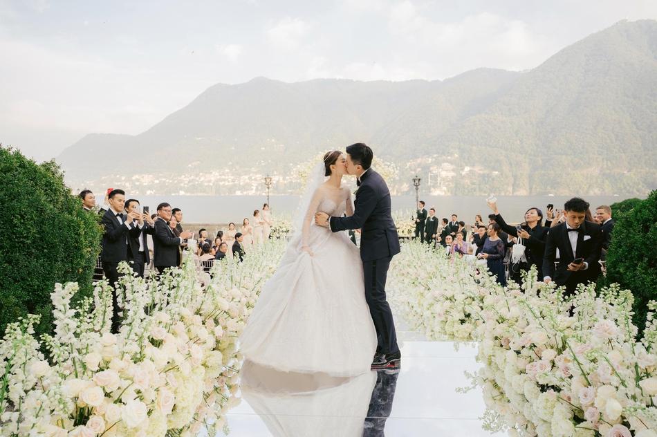 文咏珊与男友意大利办婚礼 网友:不愧是豪门婚礼!