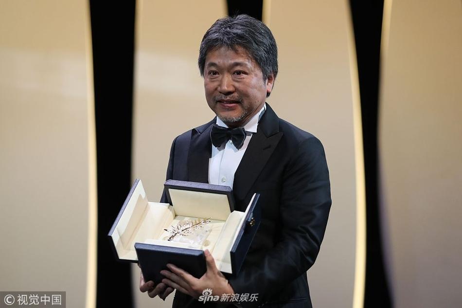 组图:戛纳电影节奖项出炉 是枝裕和斩获金棕榈