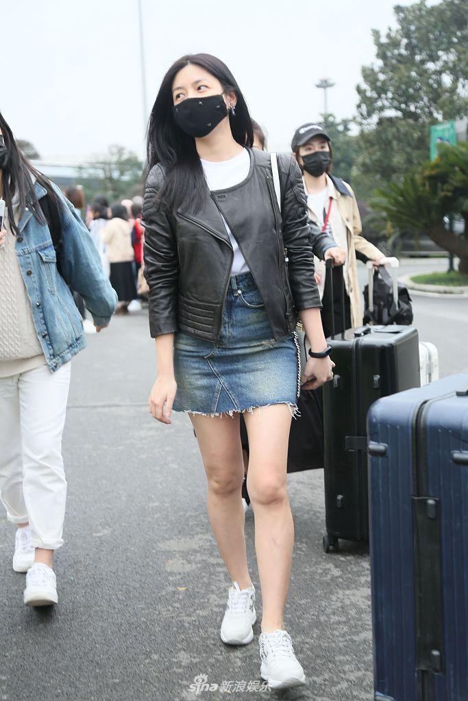 组图:辣妈陈妍希机场