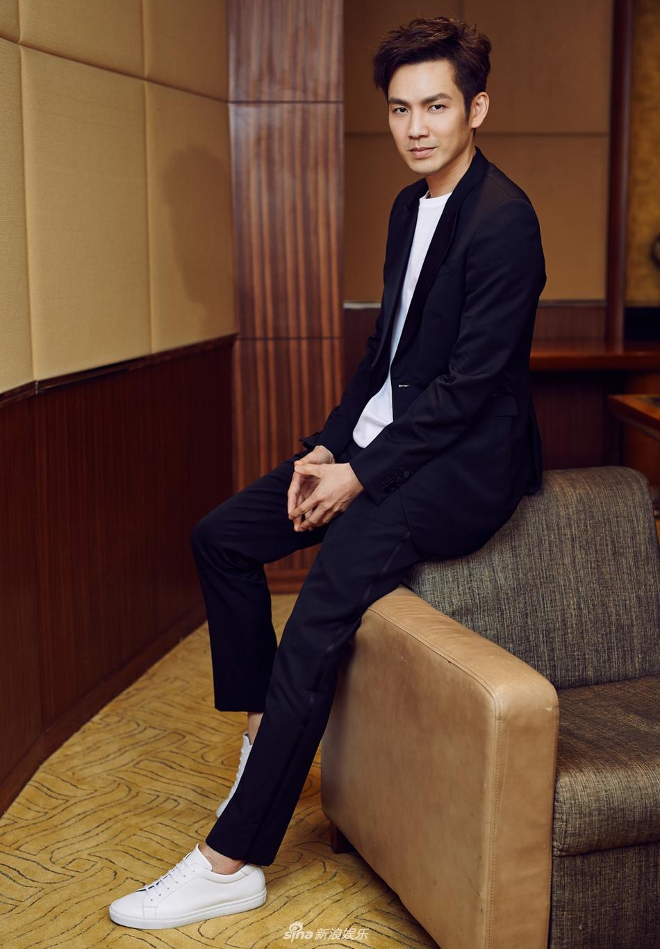 最帅的总裁_组图:霸道总裁即视感!钟汉良黑色西装帅气