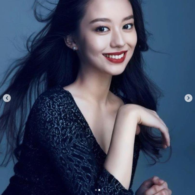 郎朗钢琴家妻子美照曝光 德韩混血五官精致身材婀娜