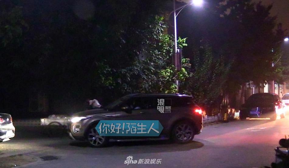 聚会到深夜,当开车回家的路上偶遇到测试人员表示停车难时,沈梦