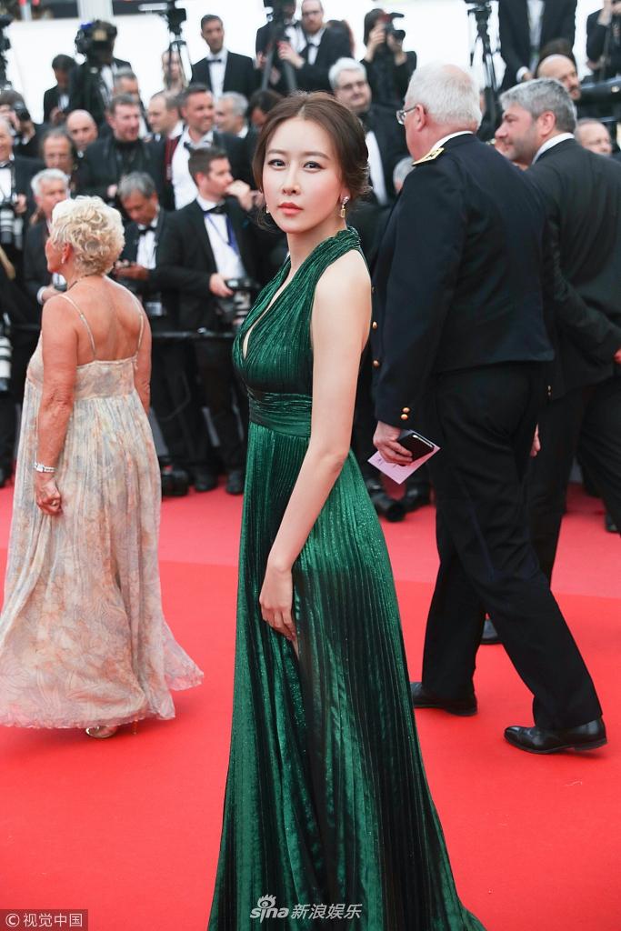 当地时间2018年5月8日,戛纳法国,第71届戛纳国际电影节,开幕红毯.电影效果图片
