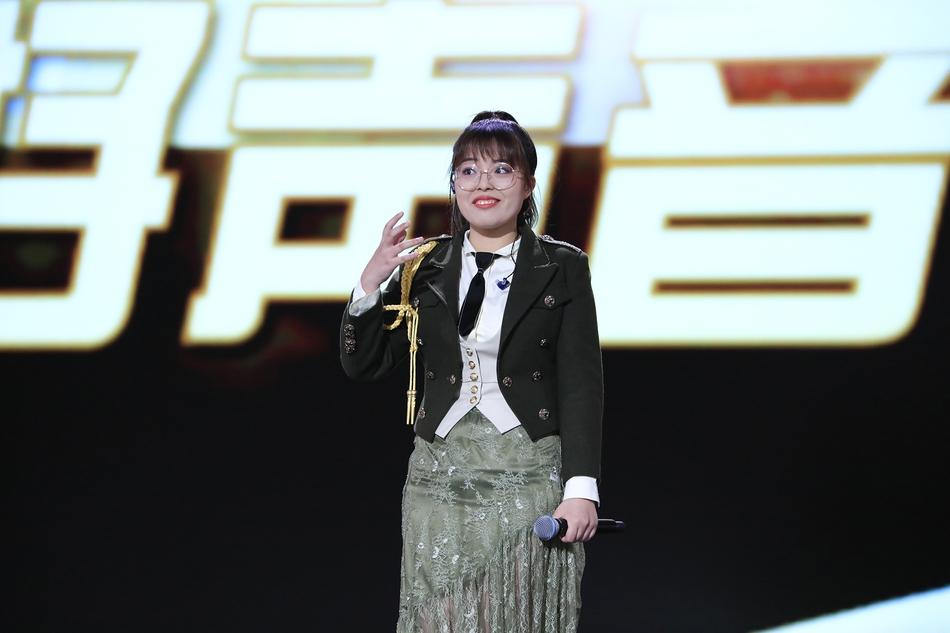 邢晗铭《中国好声音》夺冠 李荣浩发文祝贺