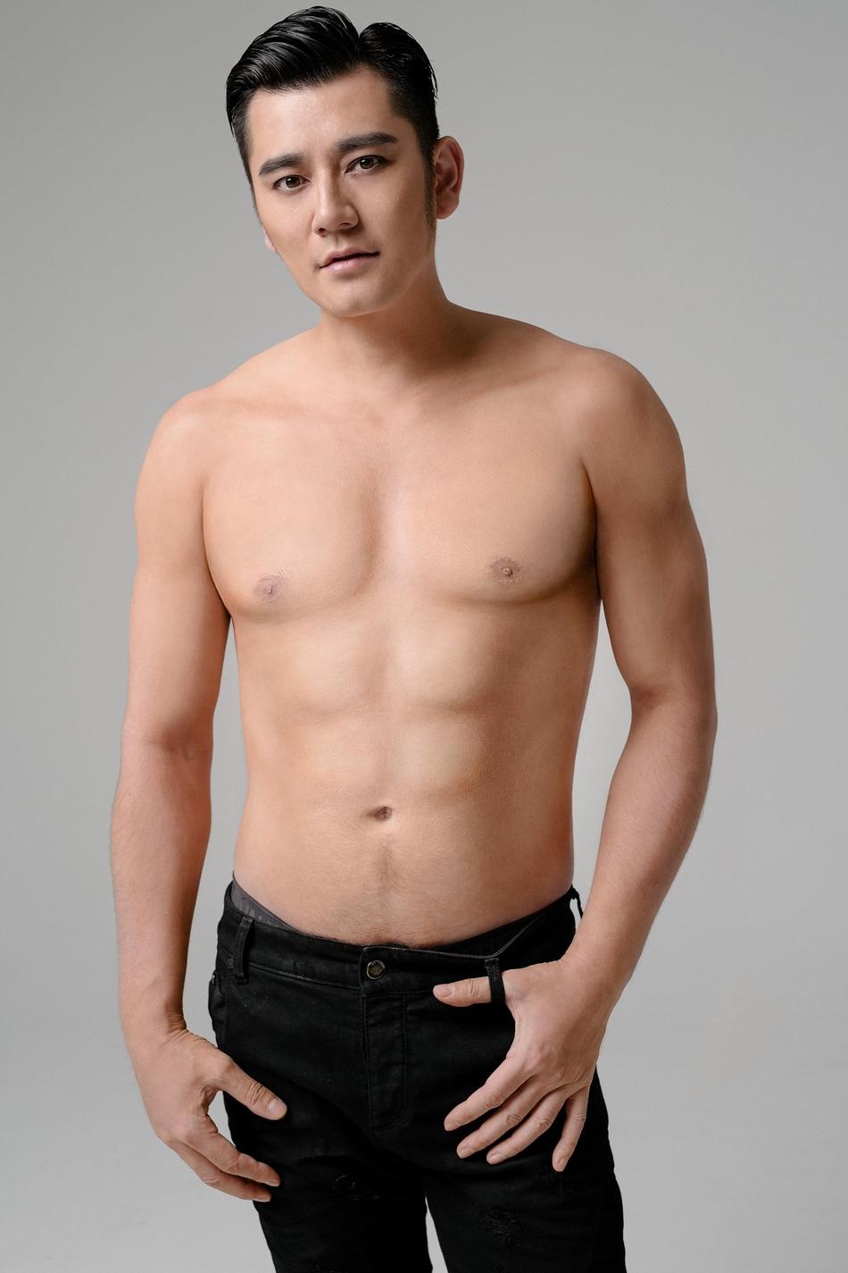 魅力型男超强虐腹 打造八块腹肌