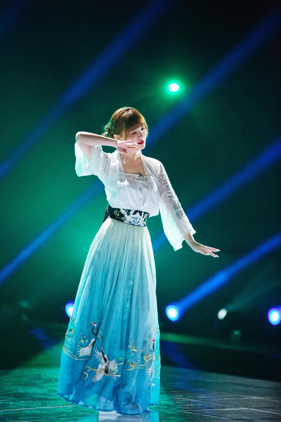 《姐姐2》放送张柏芝、罗永容、容祖儿等霸气加盟初期舞台展示