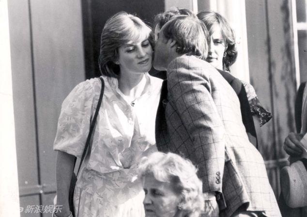 """31日,是英国戴安娜王妃去世20周年纪念日.戴安娜被冠以""""人民"""