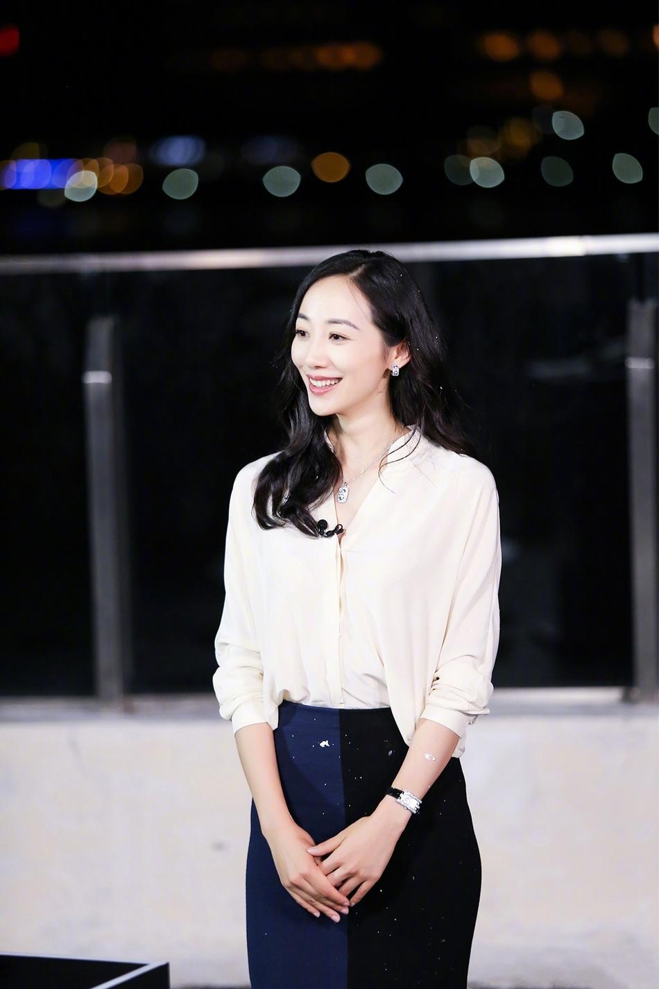韩雪《极挑》综艺秀获好评 暖心拥抱王迅引发热议