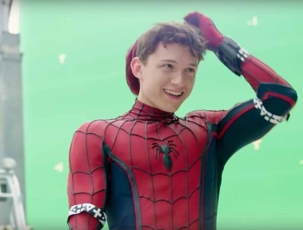 根本遮不住他的萌~片中蜘蛛侠是15岁,青春无敌,演员汤姆·霍兰德拍摄