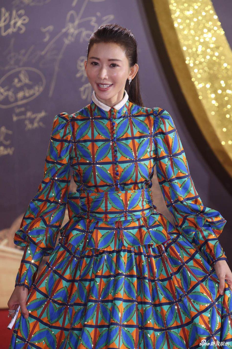 林志玲百花奖礼服怎么了 网友:这是林志玲穿衣最错的一次 娱乐 热图4