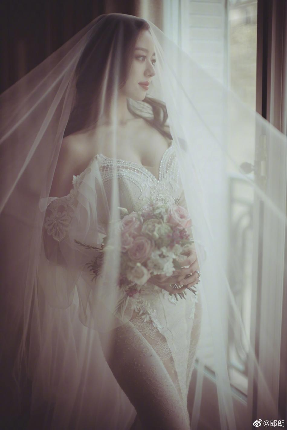 恭喜!郎朗晒照宣布结婚喜讯:找到我的爱丽丝啦