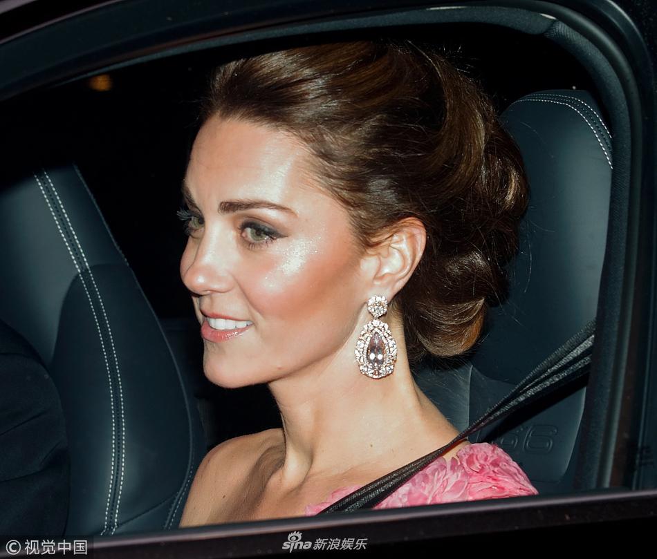 查尔斯王子半70岁生日派对儿媳凯特王妃梅根王妃盛装出席