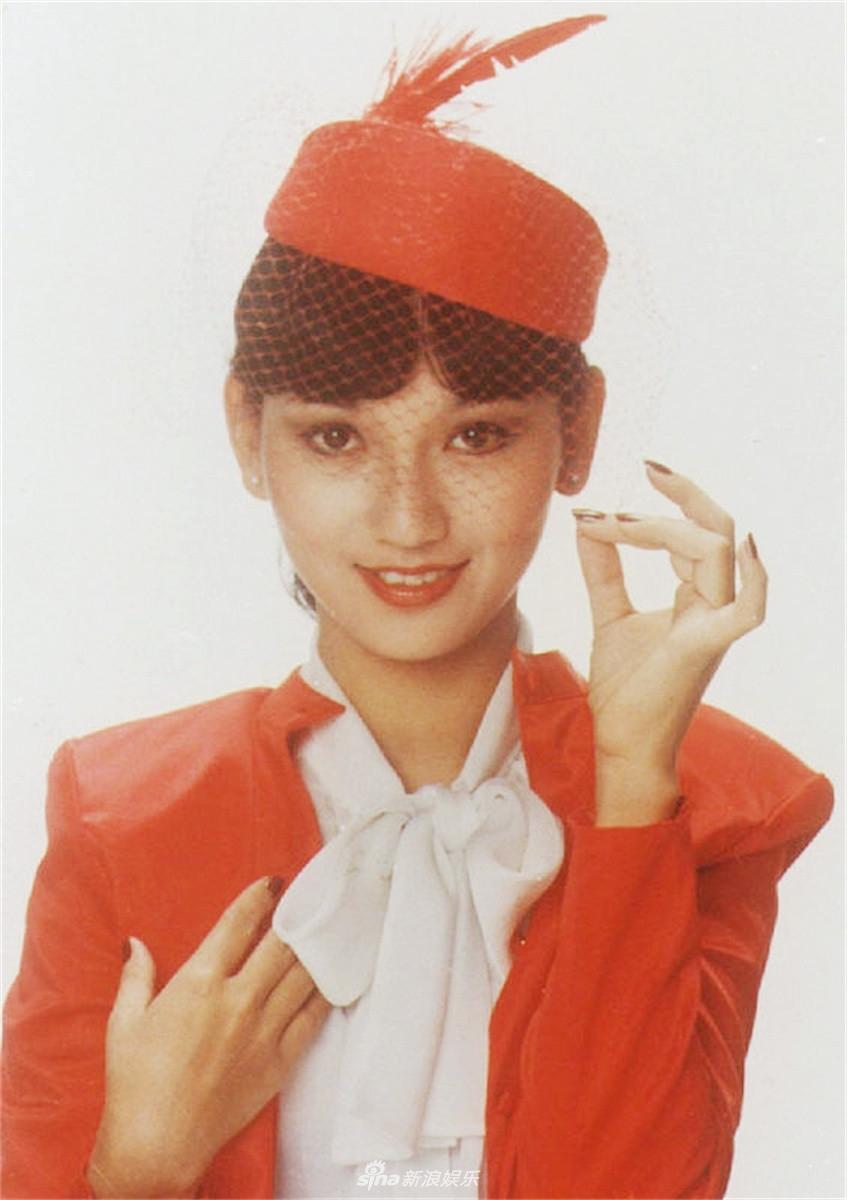 看过赵雅芝的《新白娘子传奇》,在这部电视剧里,赵雅芝扮相惊
