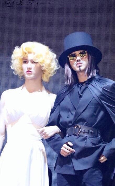 Ninepercent上演变装大秀 朱正廷变梦露范丞丞cos白雪公主
