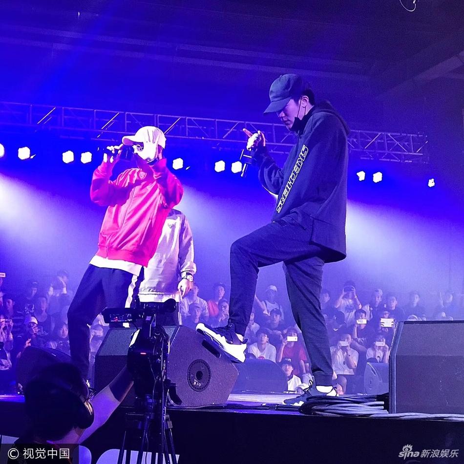 红花会助阵嘻哈活动 PG-ONE小白酷炫登场